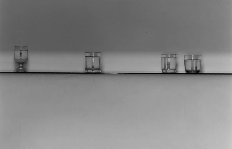 4 Bicchieri Su Piano Cristallo, 91×137,–2001