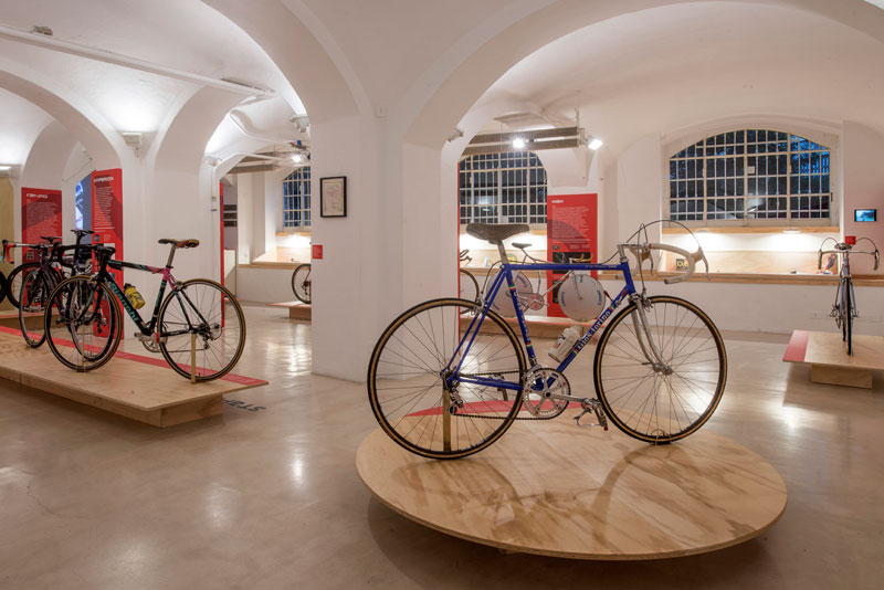 Columbus Continuum. Anima d'acciaio: Columbus and bicyle design